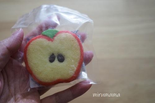 リンゴ型のクッキー