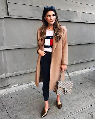 outfit casual con playera estampada basica