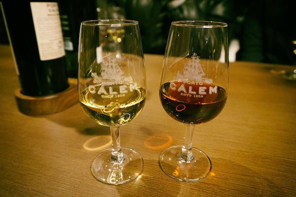 出されたポートワインは白と、ルビーという赤とはちょっと違うタイプのもの