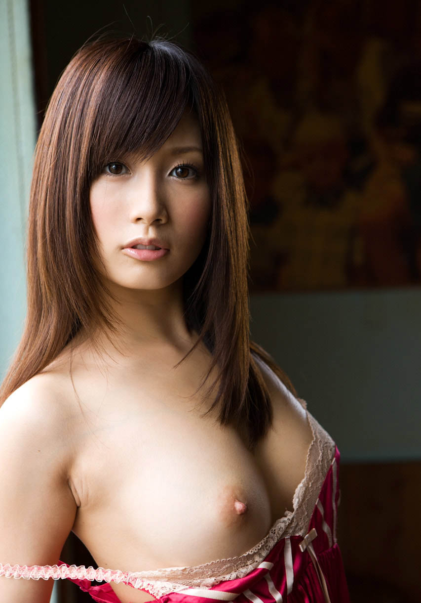 minami kojima sexy topless pics 01