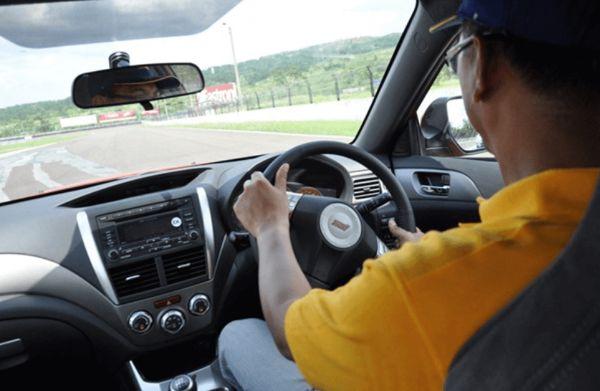 Melakukan Test Drive Mobil dengan Benar