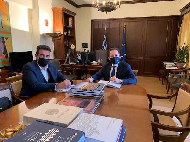 Συνάντηση του Δημάρχου Ναυπλιέων Δ.Κωστούρου με τον Αναπληρωτή Υπουργό Εσωτερικών  Στέλιο Πέτσα