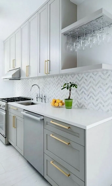 HOW TO MATCH CABINET HARDWARE WITH KITCHEN DECOR
