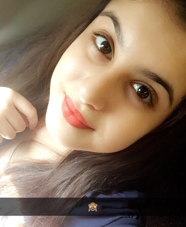 Tunisha Sharma Instagram Photos Images Wallpapers HD Free Download