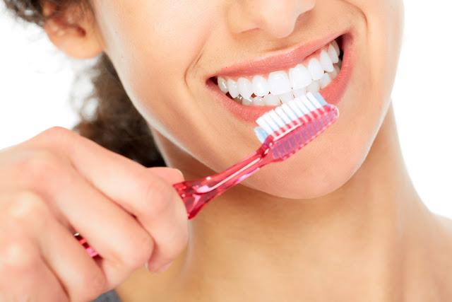 Cara Mudah Merawat Gigi Agar Terhindar dari Gigi Berlubang