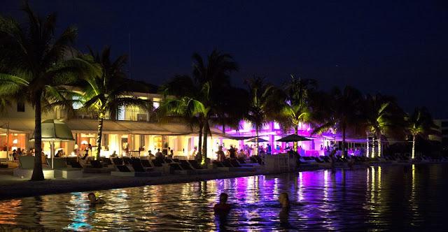 Tiệc tùng nhộn nhịp ở Curacao