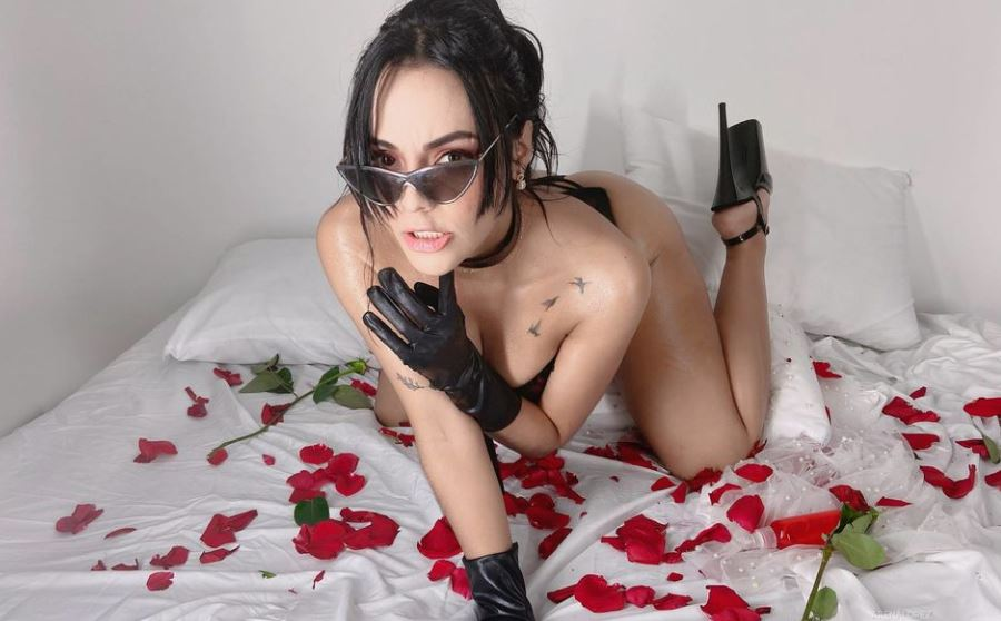 https://www.glamourcams.live/chat/ArenaLopez