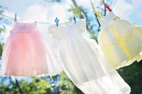 Cara Menghilangkan Noda Kuning di Baju Putih dengan Tepat