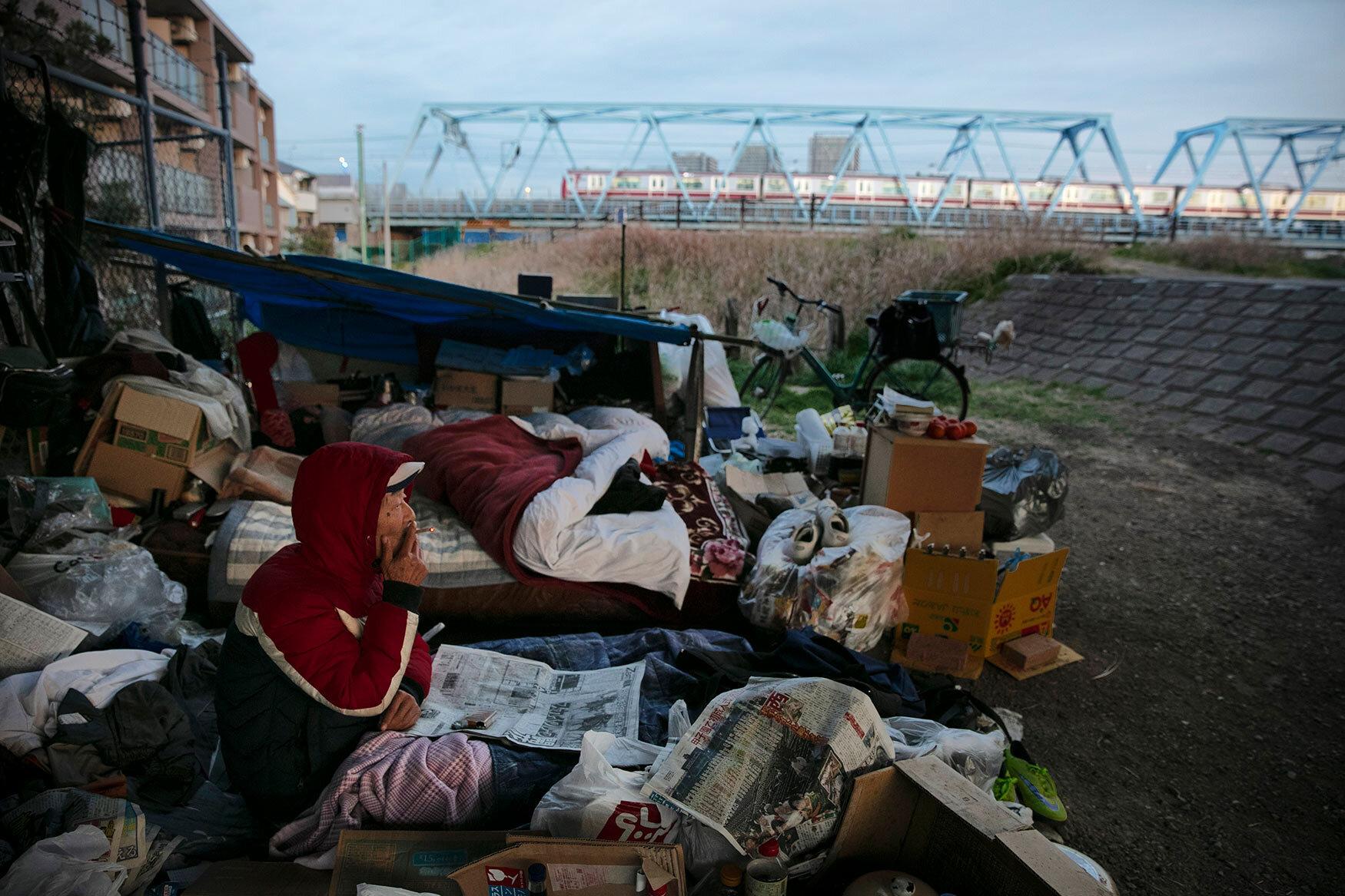 Nỗi niềm người vô gia cư ở trung tâm Tokyo trước Thế vận hội