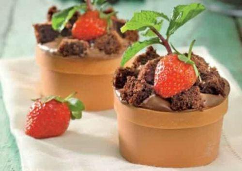 kue bentuk pot bunga