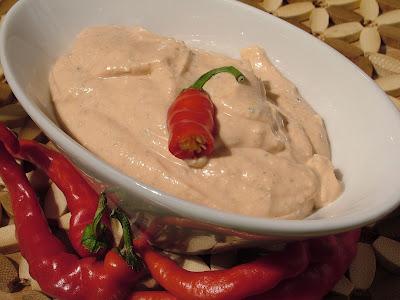 Serek czosnkowy z chili