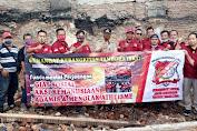 SKT FORPETAB Bersama Lurah Angke Salurkan Bansos Kebakaran di Angke