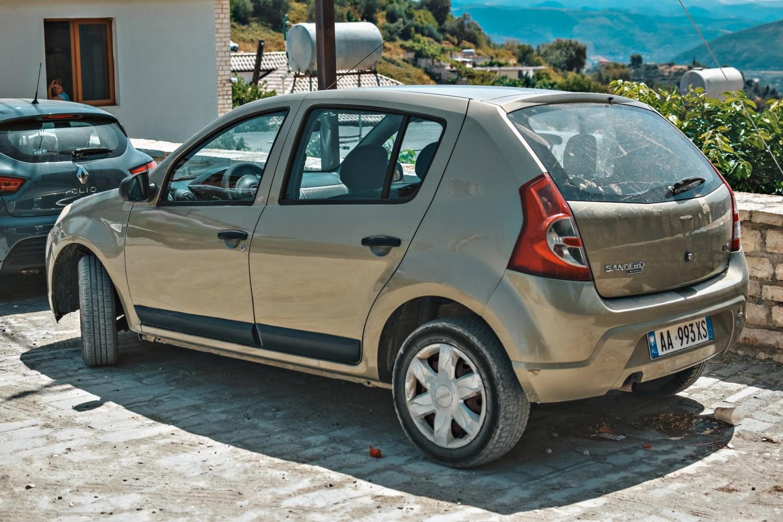 Ile kosztuje wynajem samochodu w Albanii?