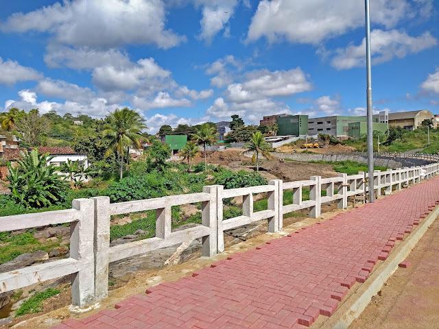 Avenida Íris Vieira Souto Maior em Bom Jardim, Pernambuco