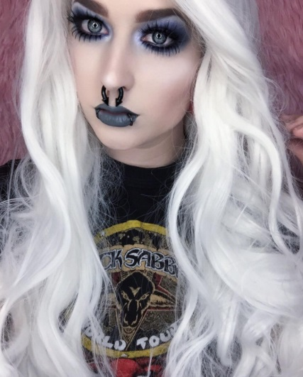 12 Pastel Goth Makeup and Outfits to Inspire You Instagram riahboflavin white hair