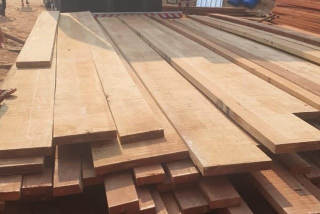 Ceres: Carga irregular de madeira é apreendida