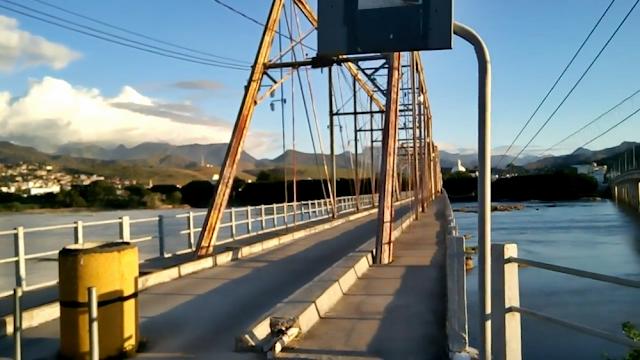 Moradores cobram conclusão da reforma da ponte metálica de São Fidélis