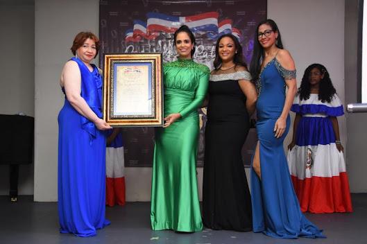 Realizan octava entrega Premios  Patrios  Dominicanos