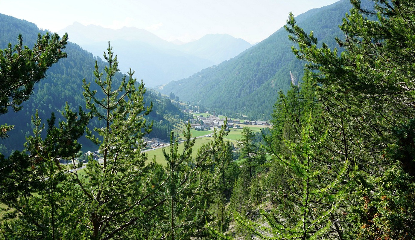 Arvieux seen from trail