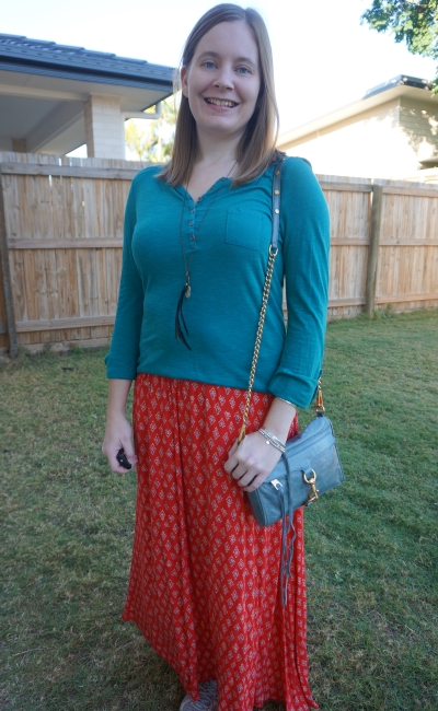 teal henley and billabon red boho print maxi skirt with blue mini mac bag | awayfromtheblue
