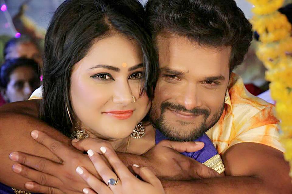 Priyanka Pandit and Khesari Lal Yadav Saadi Look in Main Sehra Bandh Ke Aaunga