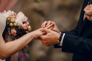 Evlilik Kutlama MesajlarıTebrik Sözleri, Tebrik Mesajları ve Kutlama ... Tebrik Mesajları, Tebrik Sözleri, Kutlama Sözleri, Evlilik Sözleri Kısa, Evlenenlere güzel tebrik mesajları , Evlilik Mesajları. Sevdiğiniz Kişileri Hazır, gelin ve damada güzel mesajlar , Yeni Evliye İlk Sözünüz, yeni evlenenlere güzel sözler , En Güzel Evlilik Kutlama Mesajlarıyla Mutlu Edin.