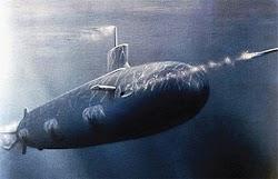 Tại sao nước không tràn vào khi tàu ngầm bắn ngư lôi?