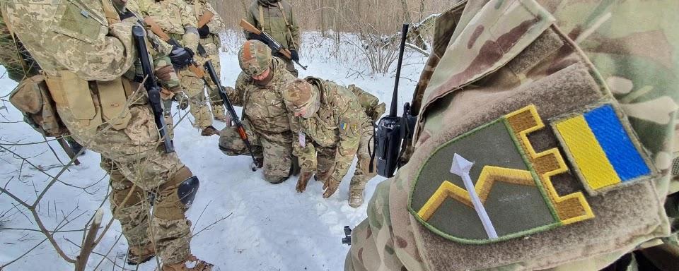 Тренування резервістів-контрактників 130-го батальйону територіальної оборони Солом'янського району Києва