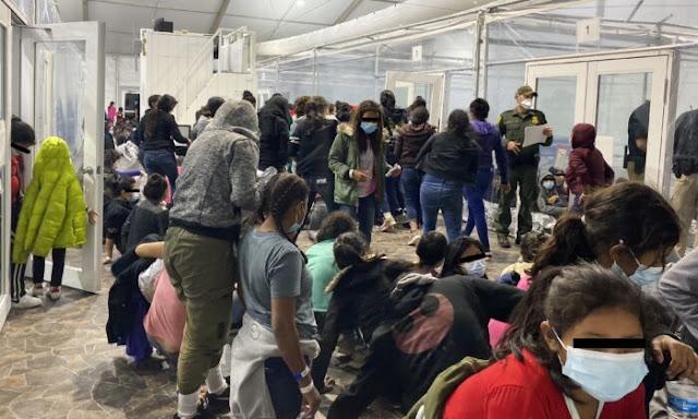 Un totale di 16.513 minori non accompagnati erano sotto la custodia