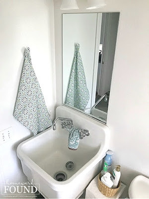 coastal style,color,entertaining,farmhouse style,decorating,room makeovers,colorful home,diy decorating,FREE,spring,makeover,DIY,furniture,color palettes,boho style,grandmillenial style,bathroom decor,powder room decor,farmhouse bathroom,simplified decor,minimalist decor,gallery wall decor,create a gallery wall,wall art