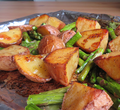 Balsamic Roasted New Potatoes & Asparagus