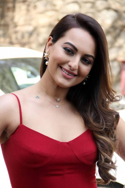 Bollywood Actress Sonakshi Sinha In Red Gown Navel Queens