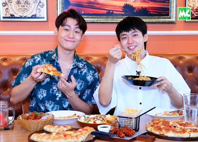 The Pizza Company Live Chat အစီအစဉ်မှာ ပါဝင်ခဲ့တဲ့ Luke နဲ့ Afu