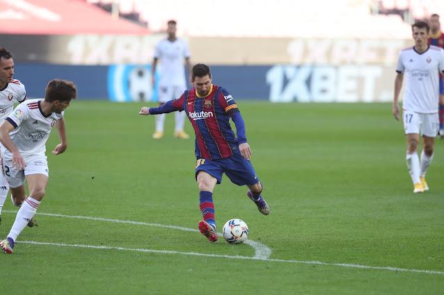 Messi pays tribute to Maradona