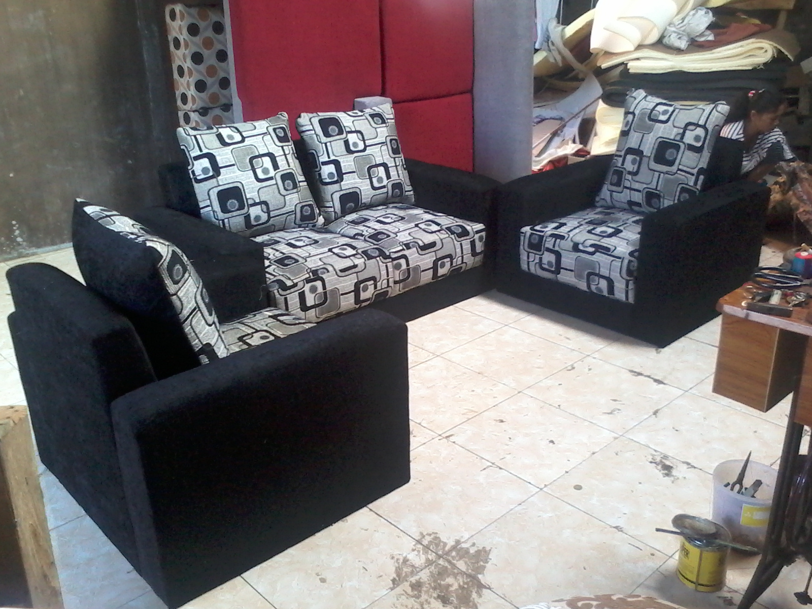 Sofa Minimalis 112 Hitam Putih