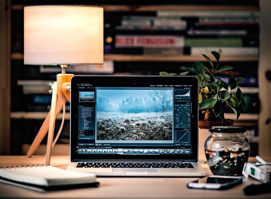 raul vittor alfaro laptop diseño graficos