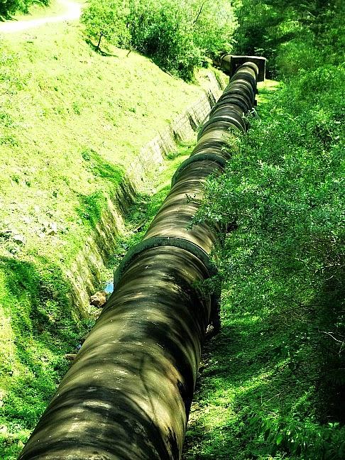 Cano sai da Usina dos Bugres, em Canela