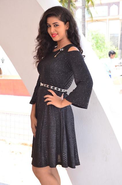 actress pavani reddy photos