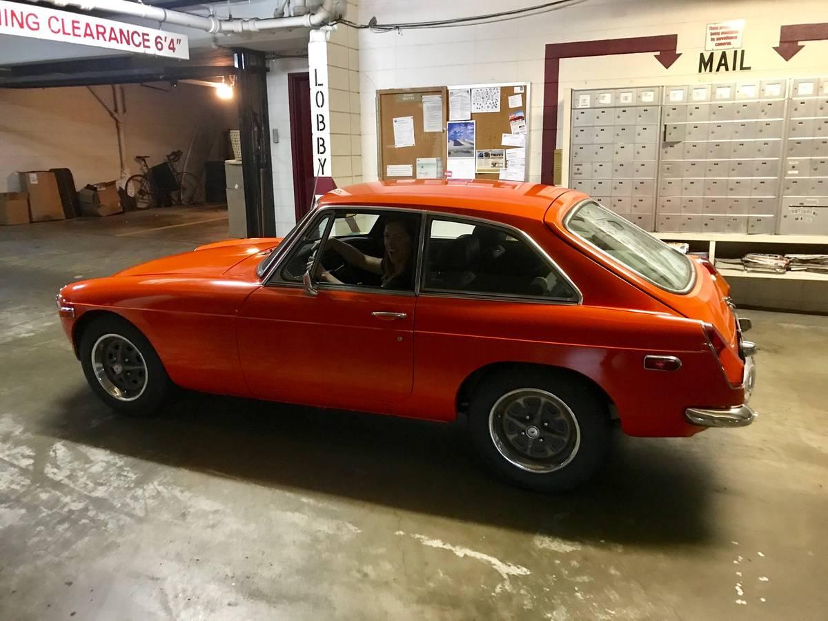 Daily Turismo: Orange Crush: 1974 MGB GT
