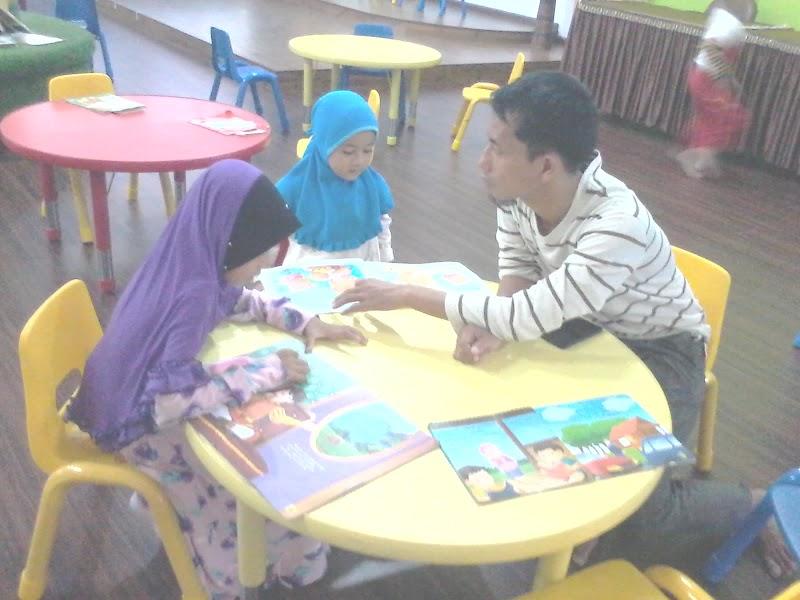 Peran Keluarga dan Masyarakat dalam Menumbuhkan Budaya Literasi