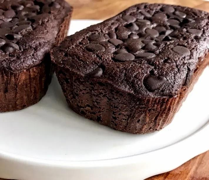Keto Sour Cream Chocolate Bread