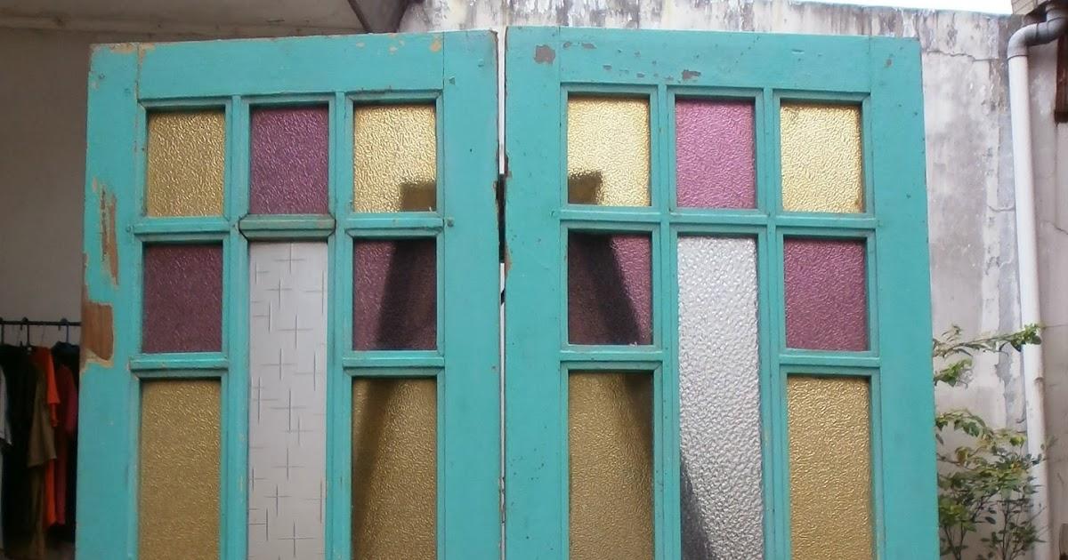 antikpisan 2 buah jendela rumah cina peranakan era