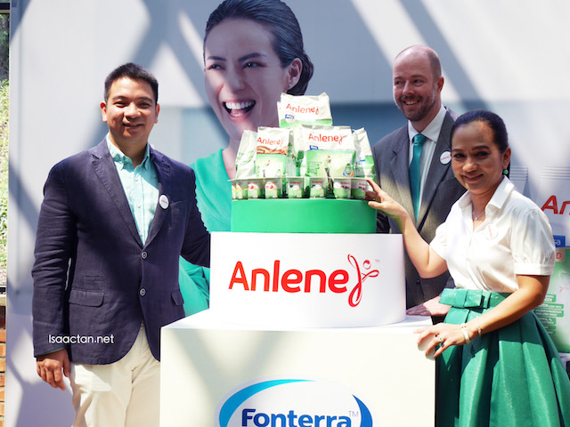 Mr Jose Miguel Porraz Lando, Managing Director of Fonterra Brands Malaysia and Singapore, with Sheila Majid and Mr. Paulo Ocampo, Marketing Manager of Anlene for Malaysia