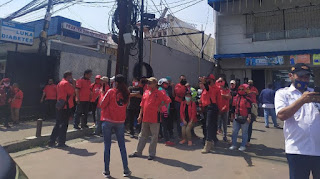 Kutuk Pembakaran Bendera, Kader PDIP Jaktim Longmarch Minta Pelaku Diusut