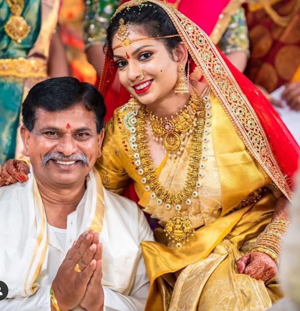 Bride in Lakshmi Bottu Mala Choker