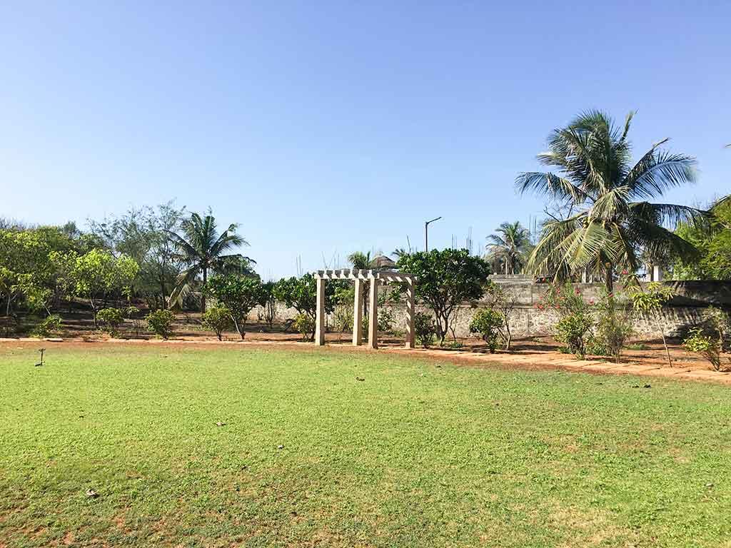 zira garden ecr for daily rent