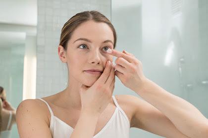 Kenali 5 Bahaya Memakai Softlens Untuk Mata Normal