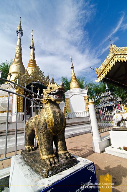 Pai Walking Street Temple