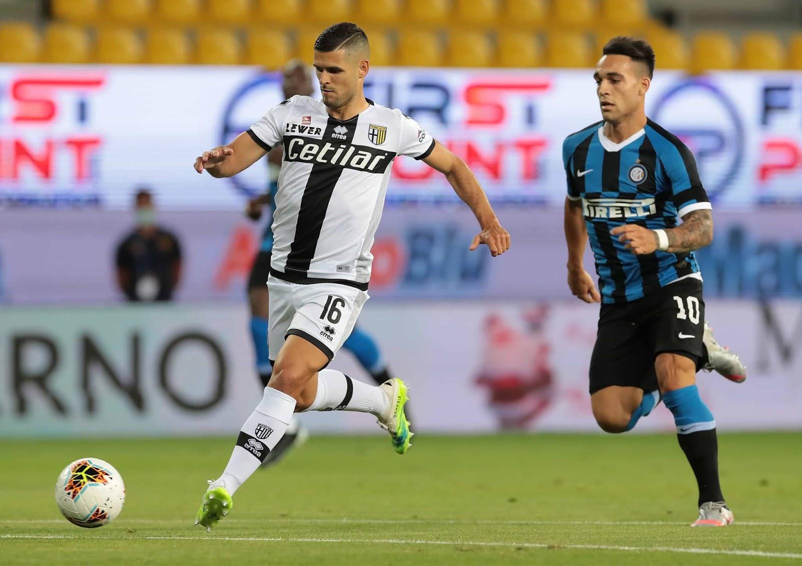 Inter, con Lautaro Martínez, derrotó sobre la hora a Parma