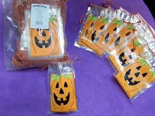 Give Out The Best Trick-Or-Treat Bags This Halloween!